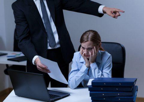 Santander processado em R$ 460 mi por assédio e estresse
