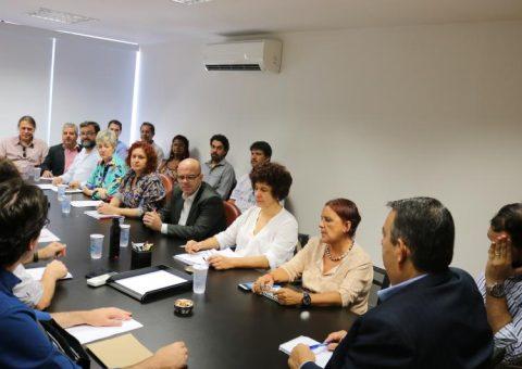 Dirigentes sindicais cobram de representantes do Santander revogação de medidas que prejudicam bancários